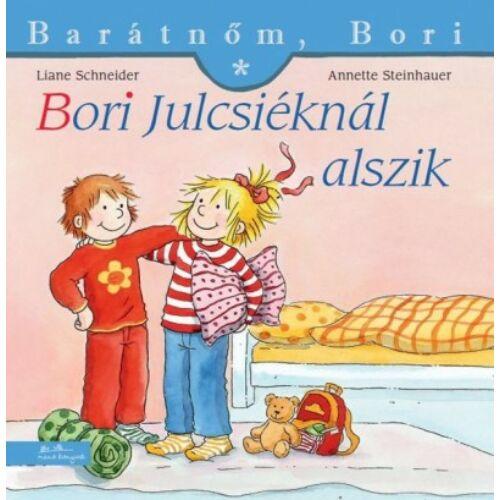 bori_julcsieknal_alszik